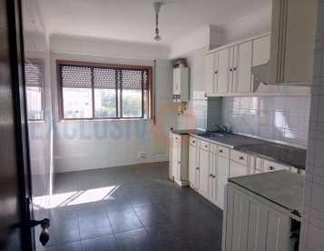 Apartamento T2 em Oiã - Oliveira do Bairro
