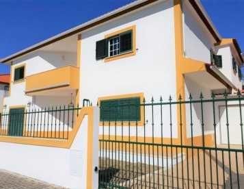 Moradia com 4 quartos isolada em Fernão Ferro perto da praia de Sesimbra
