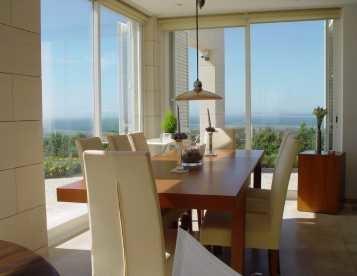 Moradia T4 e magnifica vista de mar e campo
