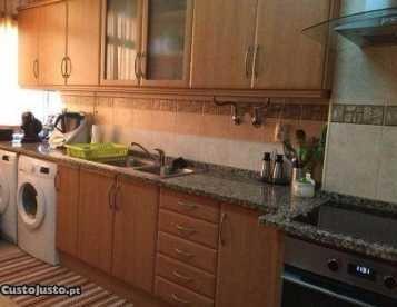 Apartamento T2 + 1 - Damaia de Cima